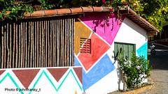 Sweet home(Praia da Pipa-Brasil) (johnfranky_t) Tags: brasile brasil praiadapipa johnfranky t colori finestra tegole fiori moto riograndedonorte fucsia azzurro marrone