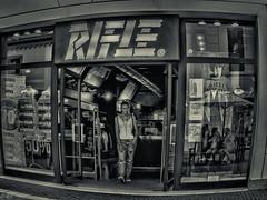 The photographer (michaelhertel) Tags: caorle shopping bw sw monochrome italy italien