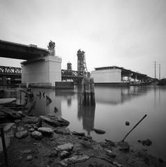 Wittpenn Bridge (devb.) Tags: 6x6 mediumformat hasselbladswcm aristaedu200 jerseycity nj