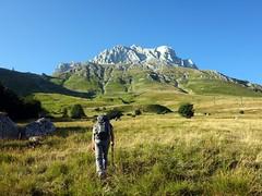 Corno Piccolo on the trail from Prati di Tivo (markhorrell) Tags: cornopiccolo cornogrande gransasso apennines abruzzo italy hiking hillwalking scrambling