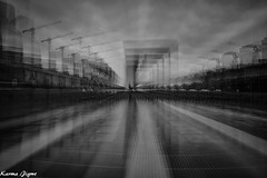 Rêveries IV (karmajigme) Tags: rêves dreams ladéfense paris architecture france blackandwhite monochrome noiretblanc monument grandearche travel nikon
