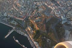 Décollage Corfou - Nouvelle citadelle (Maillekeule) Tags: avion aircraft hublot window grece greece aegean airbus corfou citadelle decollage take off 320 a320