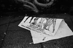 * (doistrakh) Tags: slr olympus om4ti zuikoautos40mmf2 filmcamera vintagecamera 135 film monochrome bw blackandwhite travel europe spain espana streetphotography madrid