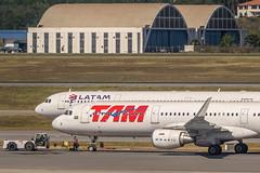 TAM LATAM A321 (GRU) (ruimc77) Tags: nikon d810 tamron sp 70200mm f28 di vc usd gru sbgr aeroporto internacional cumbica guarulhos sao são paulo international airport aeropuerto san pablo movimento movement traffic trafego tráfego brasil brazil a321211wl ptxph 6718 tam latam airlines airbus a321231 a321 321 ptmxd 3761