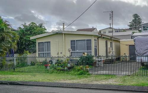 17 Cain St, Redhead NSW 2290