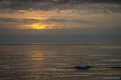 La ola (SantiMB.Photos) Tags: 2blog 2tumblr 2ig atardecer dusk playa beach sunset ola wave océano ocean atlántico atlantic vagueira vagos aveiro praiadavagueira portugal prt
