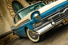 Fairlane 500 (ISP Bruno Laplante) Tags: 1957 ford fairlane 500 skyliner classic car old vintage chrome whitewall white tire front headlights blue cream explore 150