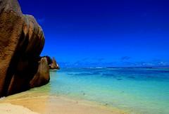 Seychelles, La Digue (ClaDae) Tags: seychellen seychelles beach rock sun sea ansesourcedargent nature colors water travel travelfotography archipelago indianocean islands creole africa afrique blue coast shore outdoor sky ngc travelphotography geolocation geocountry