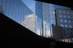 Metal and Glass, La Defense  (7996) (cfalguiere) Tags: glass blue datepub2017q307 ladefense first outdoor exterieur cityscape architecture lesmirroirs prisma france verre metal reflection sel20170722