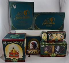 2017 D23 Expo Purchases - Day 2 Saturday July 15 - Art of Snow White (drj1828) Tags: d23 2017 expo purchases merchandise limitededition artofsnowwhite snowwhiteandthesevendwarfs snowwhite