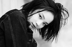 Sylvie (liofoto) Tags: noiretblanc blackandwhite monochrome modèle model beauty beauté beautiful girl woman cheveux hair yeux eyes canon eos6d sigma70200