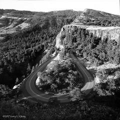 Rowena Loop, HCRH Oregon (Gary L. Quay) Tags: rowena loop columbia gorge highway historic hcrh hasselblad 500cm carl zeiss ilford hp5 film analog gary quay
