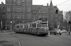 Not matching (railfan3) Tags: amsterdam amsterdamoost 1973 tropenmuseum lijn10 verlengdeenkelgeledetram gvb555 gvb855 openbaarvervoer klapramen amsterdamse amsterdamsetrams beijnestrams 1g amsterdamsetram grijzetrams ouderwetse oudetrams 851887 trams gemeentevervoerbedrijf gemeentevervoersbedrijf trolleys tram tramcars transport tramway tramwagens triebwagen trammaterieel trammetjes tramstellen tramwegmaterieel transportation tramrijtuigen tramvoertuigen tramverkeer tramlijnen publictransport streetcars strassenbahnwagen strasenbahn streetscene straatplaat tramstramlijnen tramvia former vintage klassieketrams nederlandse nederland