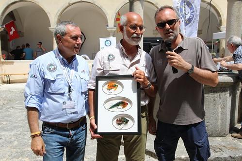 consegna quadro mosche donato al museo da Steve Silverio (USA)