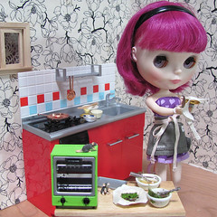 BaD July 22 - Pi / Pie (lyndell23) Tags: blythedoll blytheaday simplythumptythump domesticgoddess rement