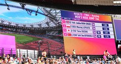 Broom-Edwards was in a strong position. (mark emerson) Tags: worldparaathletics london2017 paraathletics2017 parasports day9 london queenelizabethpark queenelizabethstadium whizzbee sports