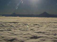 Nubes, cielo y volcanes (Azaharito) Tags: chile vistaaérea nubes sky volcanos