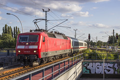 17-07-2017 - DB 120 104 + IC Rijtuigen + 101 111 door Berlin Ostkreuz (Niels Matteman) Tags: trein train zug db br 120 101 ic bahnhof berlin ostkreuz berlijn station 17 7 2017