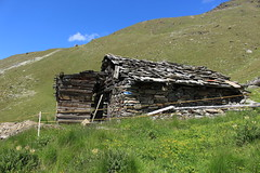 La remointse 2414 mètres (bulbocode909) Tags: valais suisse zinal mottec laremointse alpages raccards valdanniviers montagnes nature paysages vert bleu