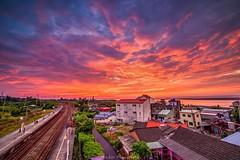 Sunset (H.L.lin) Tags: yellow red taiwan photography sunset tokina nikon sea sky