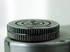 Frankar-Anastigmat Solida jr. (robárt shake) Tags: fotografie rad wheel einstellrad einstellen einstellung analog alt old nostalgisch nostalgic makro nahaufnahme geriffelt rosty vintage rostig kamera fotoapparat partiell