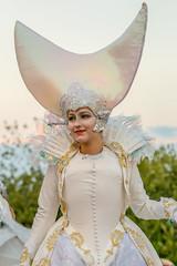 Lady Moon (Matthias-Hillen) Tags: fabelwesen fantasie fantasy stelzenart stelzenläufer lichternacht kurpark bad zwischenahn germany deutschland matthias hillen matthiashillen
