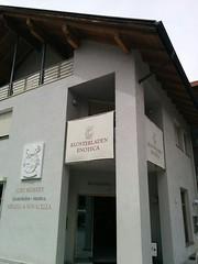 Stift Neustift Klosterladen
