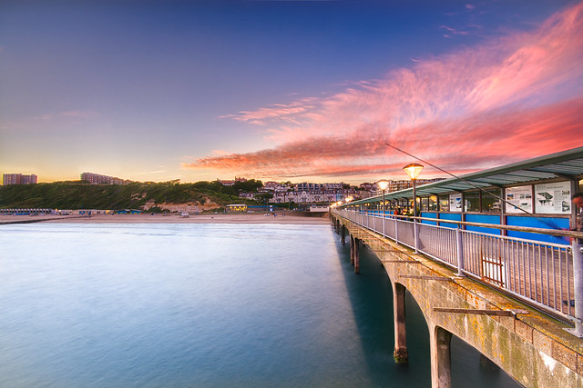 Boscombe pier in HDR