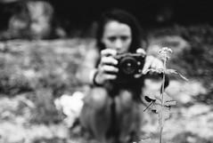 taking a photo (gorbot.) Tags: leicam8 carlzeiss35mmbiogonf2zm mmount rangefinder roberta summer monochrome blackandwhite vsco vscofilm notoantica