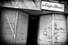 Street Fragments #300 - Kobe in a cracked mirror (Yoshi T. (kagirohi)) Tags: japan japanese kobe blackwhite bw street streetphotograph streetphotography alley fragment urban city cityscape snapshot ricoh gr ricohgr 日本 神戸 白黒 モノクローム モノクロ 路上 ストリート ストリートフォト 都市 風景 都市風景 スナップ スナップ写真 リコー 断片 blackandwhite monochrome depthoffield
