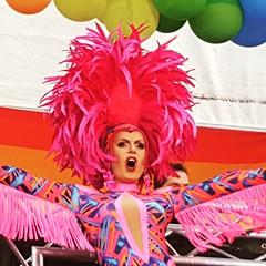 Queen of the day (Schagie) Tags: rozemaandag pink monday tilburg performance drag queen roze loveislove