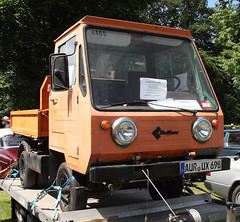 Multicar (Schwanzus_Longus) Tags: cab car classic ddr east engine flatbed gdr german germany half m24 multicar ossi over small truck vehicle vintage old little fahrzeug outdoor laster auto m25 bockhorn red