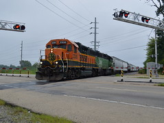 Switching out (Robby Gragg) Tags: bnsf gp382 2335 silvis