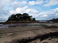 Castillo / Castle de Santa Cruz de Lians (Rafa Gallegos) Tags: galicia santacruzdelians oleiros acoruña españa spain playa beach mareabaja lowtide castillo castle