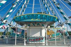 Grande Roue (PaaulDvD) Tags: tours loire loirevalley centre valdeloire outdoor colors blue city