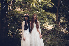 White witches (mondenkind.artist) Tags: longhair redhead ginger redhair mondenkind jeany floral wreath whitegowns whitedresses fantasy fairytale rejepix