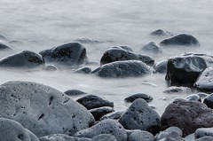Playa de Teno. Monocromo falso (inma F) Tags: teno agua efectoseda mar ola piedra roca playa monocromo rocks sea beach lava negr o bw negro isla costa tenerife island coast
