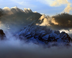 Sky low (Robyn Hooz) Tags: antelao cadore dolomiti nuvole tramonto cime peaks italia vacanze mountains