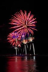 Saint Malo (Isabelle Odent) Tags: bretagne illeetvilaine saintmalo feudartifice firework