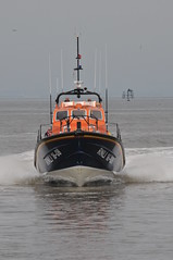 DSC_1818 (jakear) Tags: rnli lifeboat fleetwood blackpool barrow morcambe hovercraft