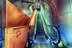 Garibaldi 1 (isnogud_CT) Tags: garibaldi ubahn underground treppe rolltreppe neapel italien bahnhof statione