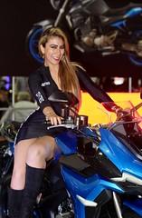 Miss ZONTES (Carlos Ramirez Alva) Tags: anfitriona modelo hostess f28 70200mm markiii 5d canon expomoto lima perú motorcycle bike zontes chinese china