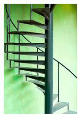 Very green (leo.roos) Tags: green groen trap spiralstaircase stairs stairway avifauna july2017gatheringdustchallenge dyxum a99 minoltaaf5014rs amount darosa leoroos