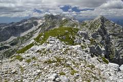 Livin' on the edge (matteo.buriola) Tags: friuli slovenia alpi giulie cima confine monte canin panorama landscape mountains trekking hiking altitude nikon d3100