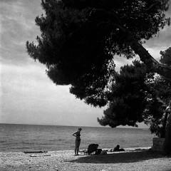 Strasko beach (Koprek) Tags: yashicamat124g novalja fomapan 200 june 2017 green filter croatia adriatic