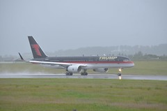 Nice Plane,Shame about the.... (@ tb 2018) Tags: n757af aberdeen boeing757 trump aberdeengolflinks