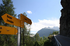 The classic walk from Zeneggen to Törbel (onno de wit) Tags: schweiz suisse svizzera svizra switzerland zwitserland wallis valais alps mountains törbel zeneggen burgen