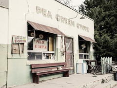 Pea Green Store (greytoneduo) Tags: usa roadtrip kansas missouri colorado utah iowa south dakota chicago