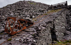 Penrhydd Tank Incline, Dinorwic (Rogpow) Tags: dinorwic dinorwicquarry slatequarry wales slate quarry llanberis dinorwig northwales snowdonia abandoned derelict decay industrialarchaeology industrialhistory industrial incline drumhouse fujifilm fuji fujixt1