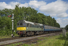 D7629 1J56 (DM47744) Tags: class 25 d7629 ramsbottom elr eastlancashirerailway diesel gala 2017 sulzer type 2 rat br green blue train trains railway railways mk1 coaching stock rail railroad diesels nikon d3100 travel traction heritage classic transport transportation track preserved preservation